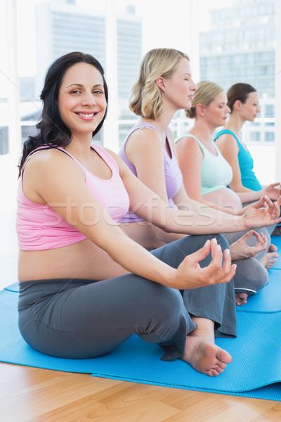 Stockfoto: Inhoud · zwangere · vrouwen · mediteren · yoga · klasse