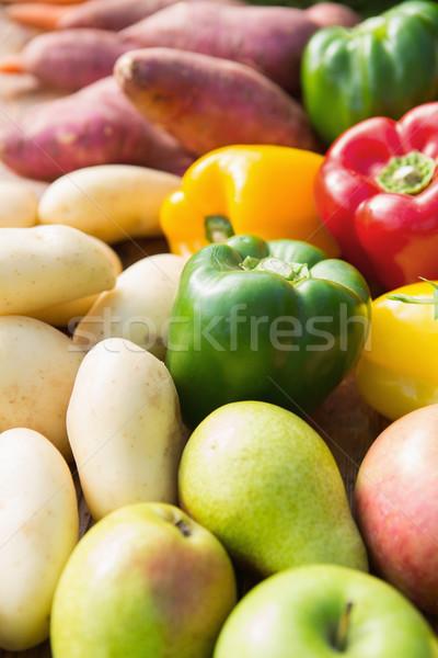 Table marché fruits Photo stock © wavebreak_media