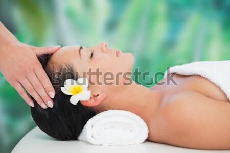 Aantrekkelijk jonge vrouw massage spa centrum Stockfoto © wavebreak_media