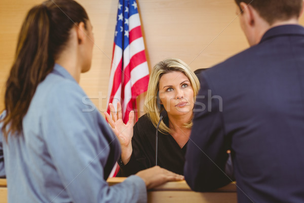 Bíró ügyvédek beszél amerikai zászló bíróság szoba Stock fotó © wavebreak_media