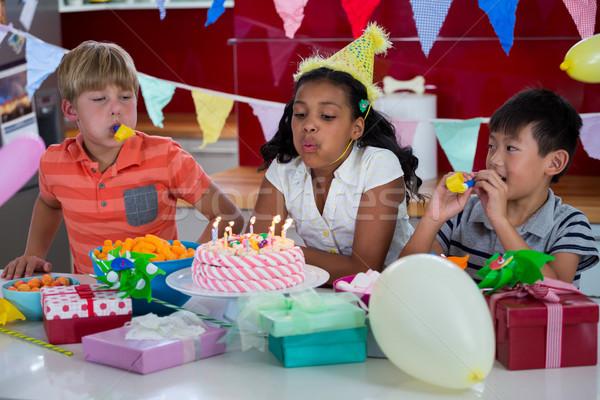 Feliz crianças aniversário festa de aniversário música comida Foto stock © wavebreak_media