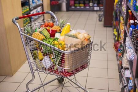 Kilátás bevásárlókocsi áruház vásárlás ital vásárló Stock fotó © wavebreak_media