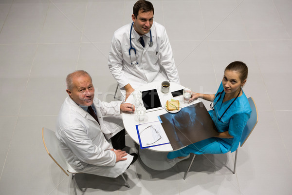 Ver médicos cirurgião raio x Foto stock © wavebreak_media