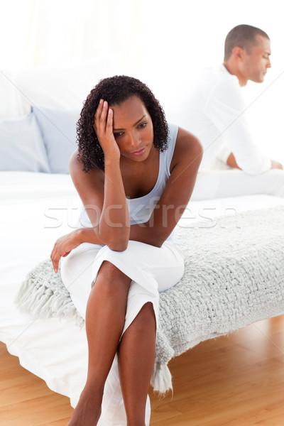 öfkeli çift oturma yatak ayrı ayrı kız Stok fotoğraf © wavebreak_media
