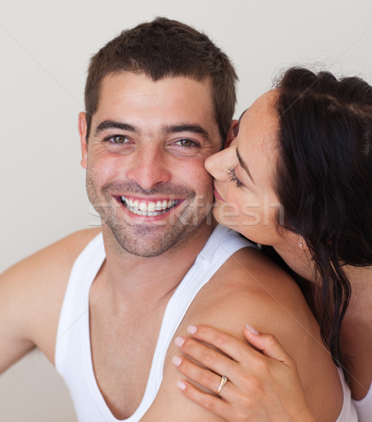 Portrait petite amie baiser souriant copain baiser Photo stock © wavebreak_media
