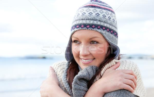 Stock fotó: Csinos · nő · hideg · visel · kalap · tenger · modell