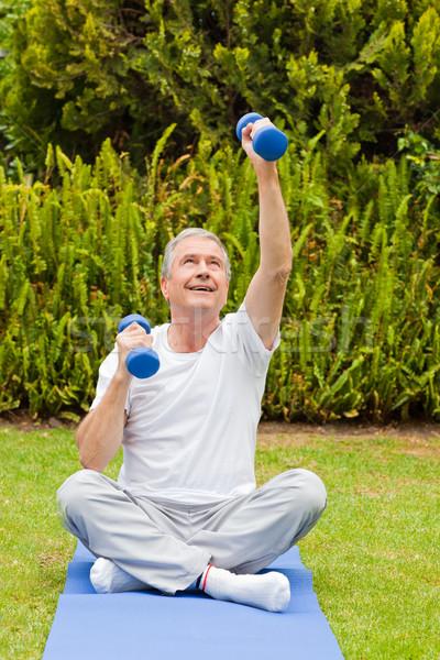 Jubilado hombre jardín salud parque persona Foto stock © wavebreak_media