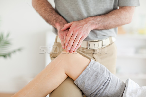 Chiropraxie cute knie kamer hand Stockfoto © wavebreak_media