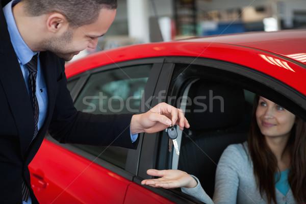 Client clés de voiture femme heureux affaires Photo stock © wavebreak_media