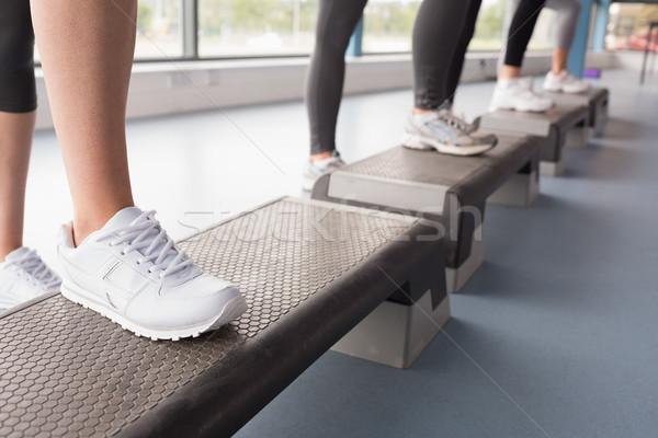 Stóp aerobik klasy siłowni kobieta wykonywania Zdjęcia stock © wavebreak_media