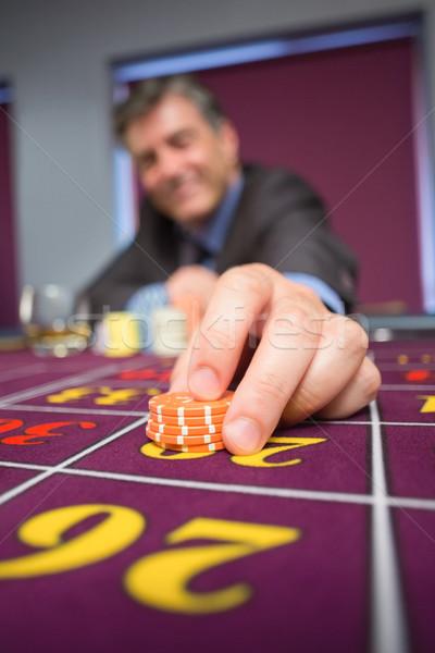 Hombre ruleta casino vidrio jugar Foto stock © wavebreak_media