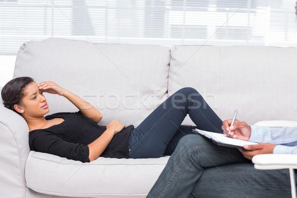женщину терапии диван Дать печально женщины Сток-фото © wavebreak_media