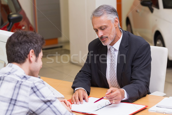 Vendedor cliente assinar tratar Foto stock © wavebreak_media