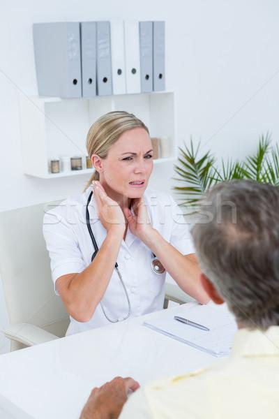 Médico paciente pescoço dor médico Foto stock © wavebreak_media