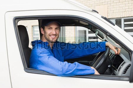 Uśmiechnięty człowiek jazdy van portret drzwi Zdjęcia stock © wavebreak_media
