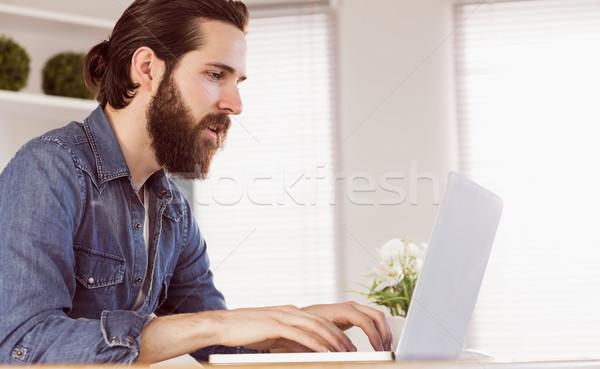 Empresário trabalhando secretária escritório computador Foto stock © wavebreak_media