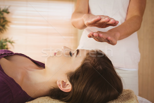 Mulher jovem reiki tratamento terapia quarto mulher Foto stock © wavebreak_media