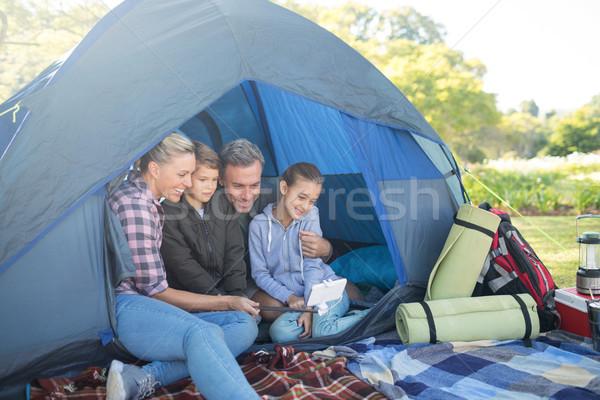 Famiglia tenda ragazza uomo Foto d'archivio © wavebreak_media