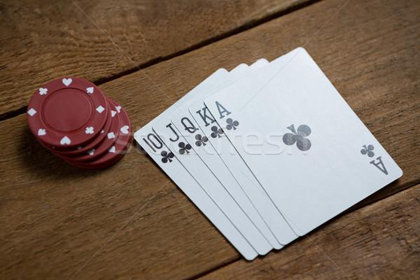 Magasról fotózva kilátás kártyák gesztenyebarna sültkrumpli fa asztal Stock fotó © wavebreak_media