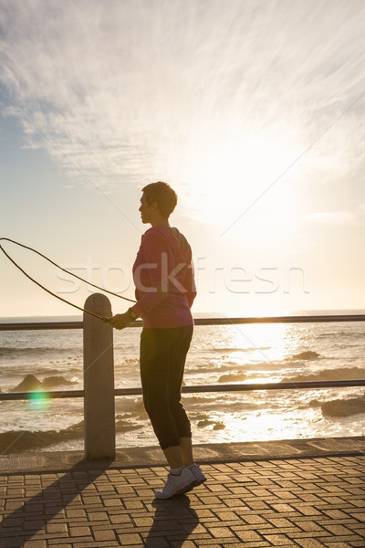 Vrouw promenade zee fitness Stockfoto © wavebreak_media