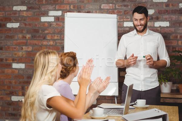Vrouwen mannelijke collega presentatie kantoor vrouw Stockfoto © wavebreak_media