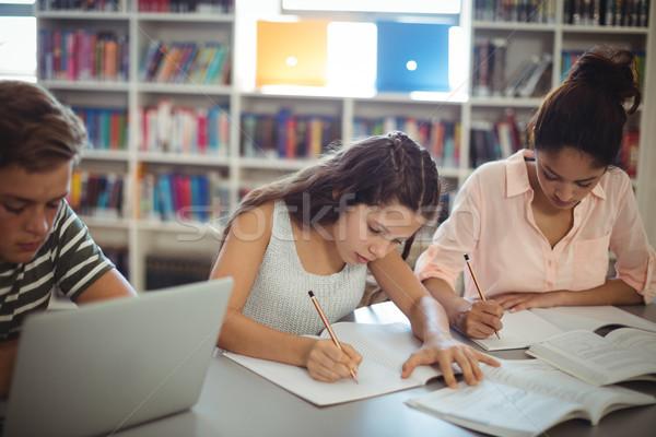 Aandachtig studenten studeren bibliotheek school potlood Stockfoto © wavebreak_media