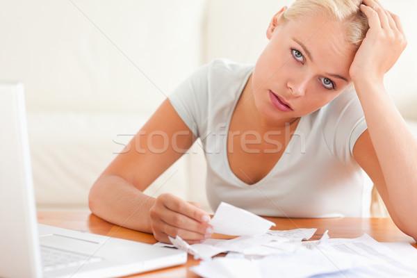 女性 会計 見える カメラ リビングルーム コンピュータ ストックフォト © wavebreak_media
