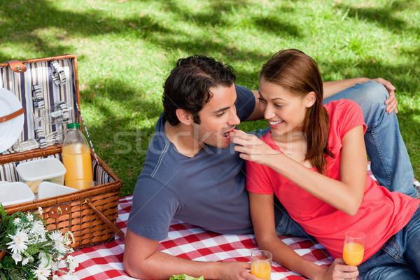 Stock fotó: Nő · étel · barátok · száj · hazugság · pléd