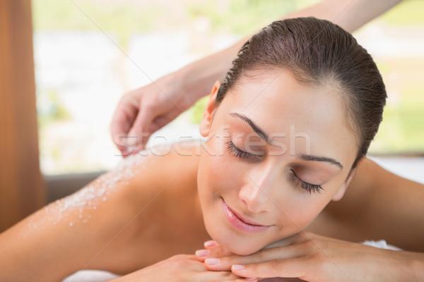 Schönheit Therapeut Gießen Salz lächelnd Stock foto © wavebreak_media