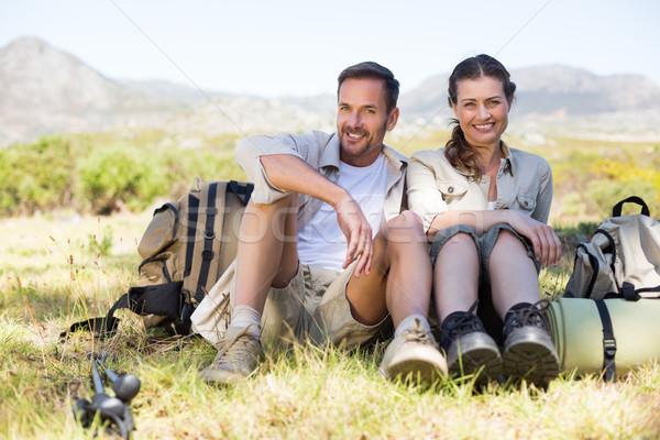 Szczęśliwy turystyka para przerwie górskich Zdjęcia stock © wavebreak_media