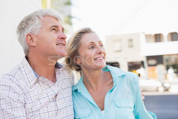 Gelukkig volwassen paar vergadering bank stad Stockfoto © wavebreak_media