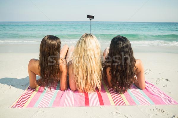 группа друзей женщину лет свободный праздник Сток-фото © wavebreak_media