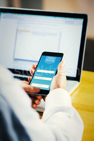 Obraz biznesmen smartphone online bankowego Zdjęcia stock © wavebreak_media