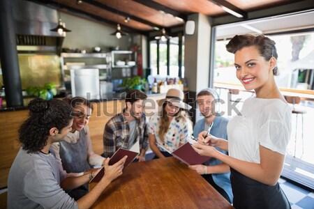 Dolgozik ügyfelek fodrászat nő boldog szépség Stock fotó © wavebreak_media