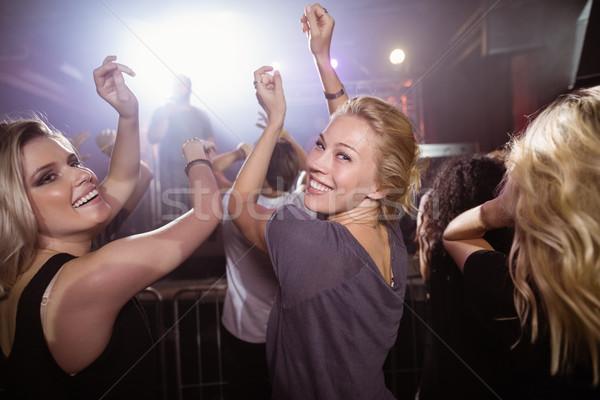 小さな 女性 友達 ダンス ナイトクラブ 音楽祭 ストックフォト © wavebreak_media