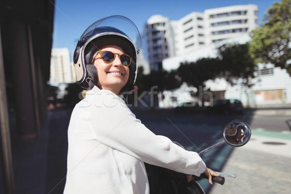 улыбаясь деловая женщина сидят Motor Сток-фото © wavebreak_media