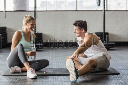 Fitt emberek súlyemelés együtt crossfit tornaterem Stock fotó © wavebreak_media