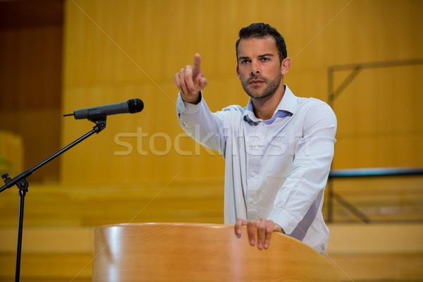Business Executive Hinweis Rede Mann Sitzung Stock foto © wavebreak_media