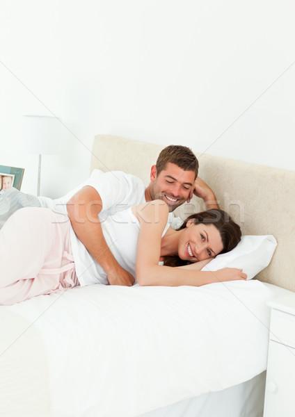 Cute para wraz sypialni weekend domu Zdjęcia stock © wavebreak_media