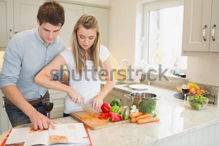Knappe man koken vriendin home vrouw gelukkig Stockfoto © wavebreak_media