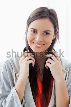 Kafa omuzlar atış gülümseyen kadın kulaklık Stok fotoğraf © wavebreak_media