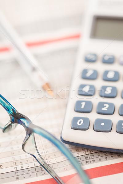 Lövés számológép szemüveg statisztikai asztal Stock fotó © wavebreak_media