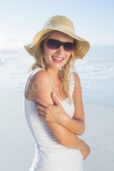 великолепный счастливым блондинка позируют пляж Сток-фото © wavebreak_media