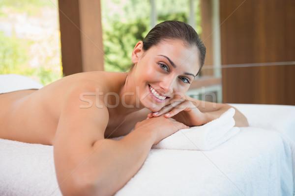 Foto d'archivio: Bella · bruna · massaggio · tavola · sorridere · fotocamera