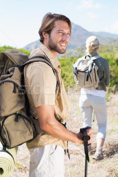 魅力的な ハイキング カップル 徒歩 山 歩道 ストックフォト © wavebreak_media