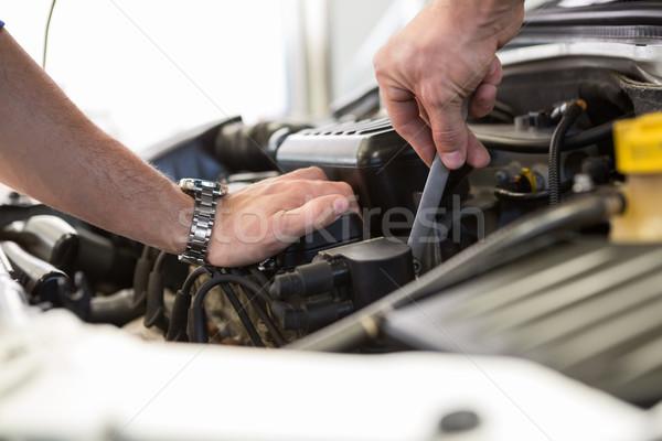 Foto stock: Mecánico · de · trabajo · motor · reparación · garaje · mano