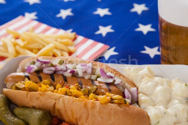 Sosisli sandviç patates kızartması ahşap masal tablo Stok fotoğraf © wavebreak_media