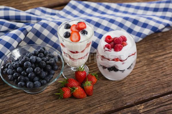 Frutta gelato tavolo in legno primo piano blu Foto d'archivio © wavebreak_media