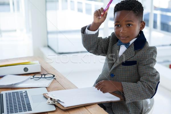 üzletember karok a magasban ül asztal iroda gyermek Stock fotó © wavebreak_media