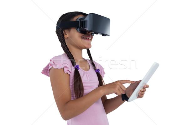 Stok fotoğraf: Genç · kız · sanal · gerçeklik · kulaklık · dijital · tablet